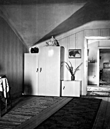 Unsere Wohnung: Interior Of Our Apartment In 1940, Just Before We Moved Out  Of It, Never To Return.